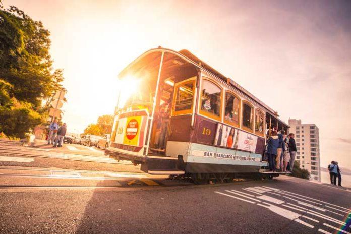 San Francisco cable car on Cheap Flights